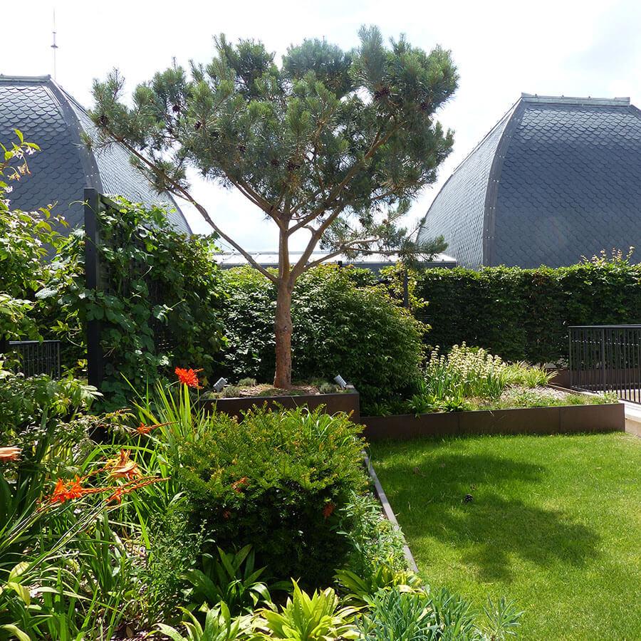 Jardins Et Terrasses D'un Palace à Paris