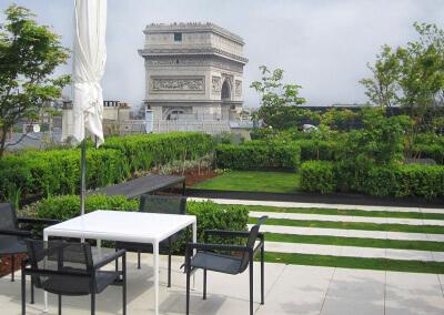 Création des jardins d'un groupe de réassurance, Paris