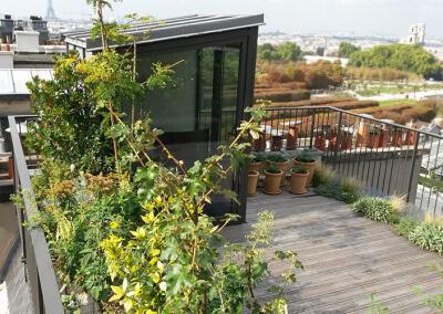 Petite terrasse sur les toits