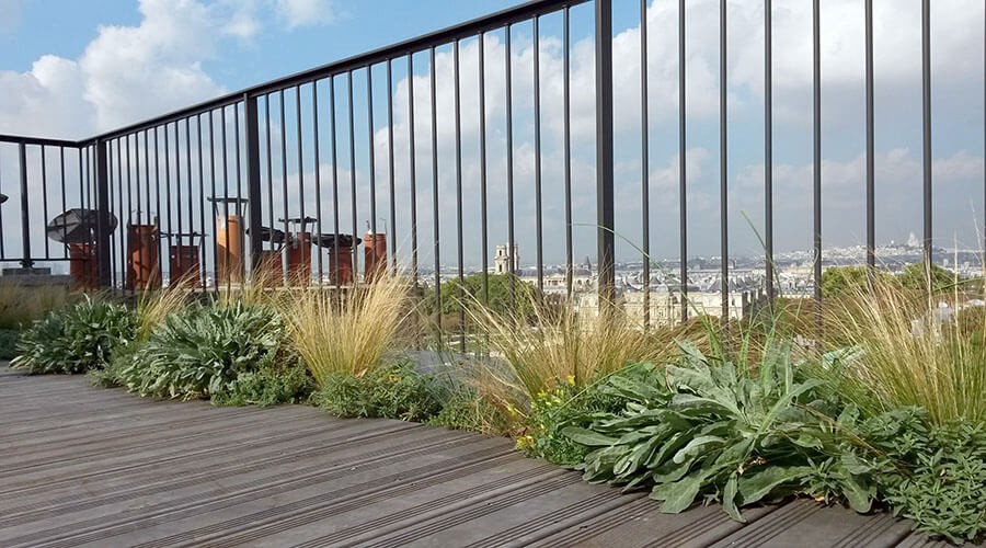 Travaux d'aménagement d'une terrasse à Paris[R