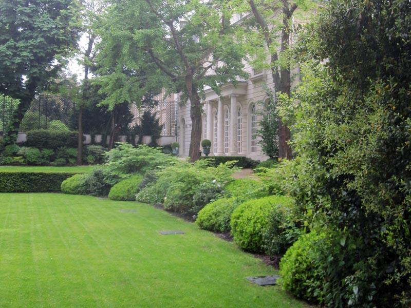 entretien du jardin d un h tel particulier pour une banque